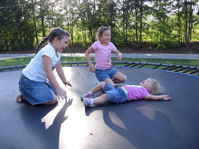 Kindertrampolin – Lernen beim Spielen und Trainieren
