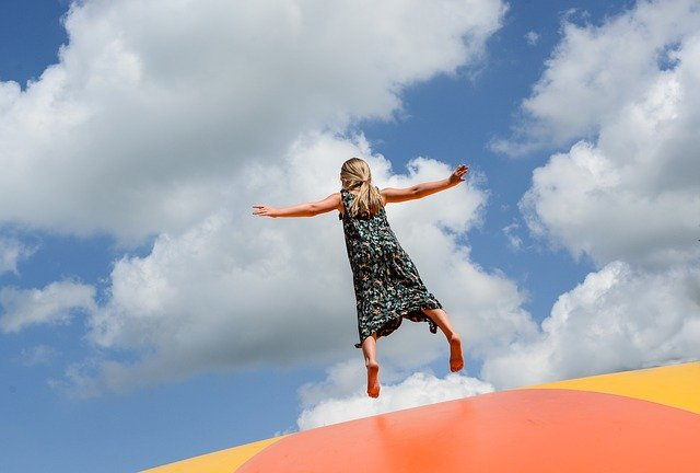 Das Kindertrampolin – Spiel und Spaß Indoor und Outdoor